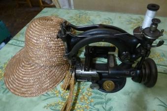 Machine à fabriquer chapeaux de paille Soumensac